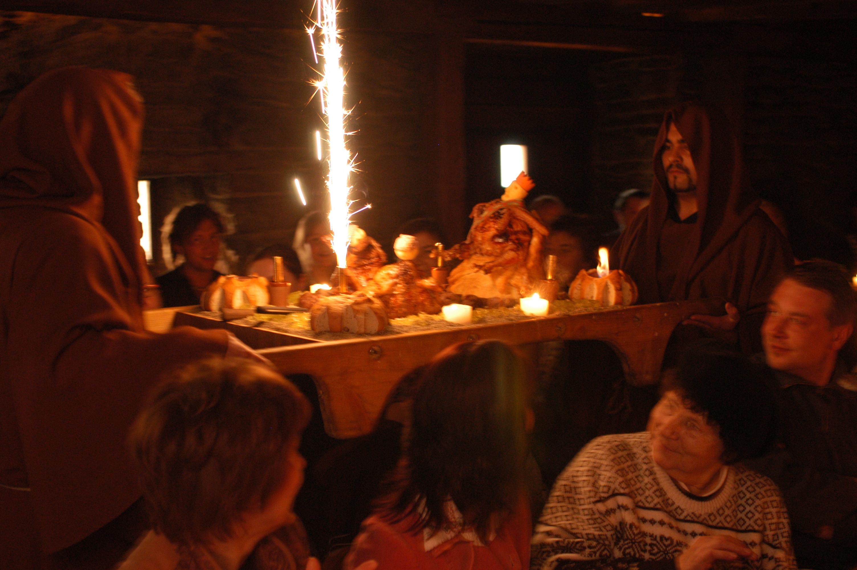 Vana-aastaõhtu õhtusöök Kaupmehe Saalis